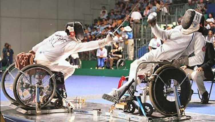 Нарвский паралимпиец Алексей Щеглов занял 8-е место на первенстве Европы по фехтованию